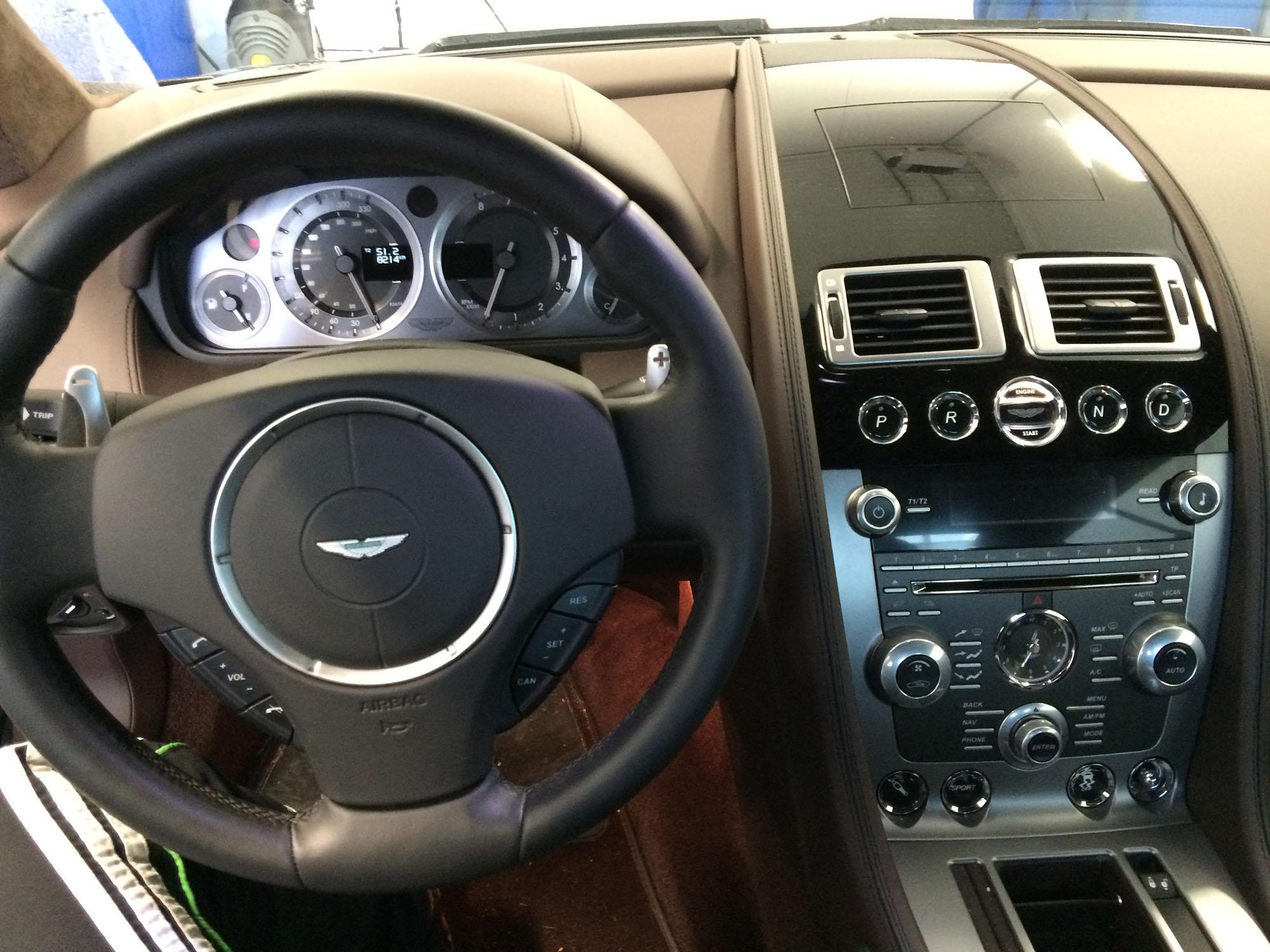 The car butler autopoetsbedrijf utrecht for Auto interieur spuiten
